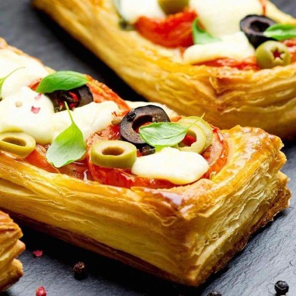 pizza-ngan-lop-voi-bacon-oliu